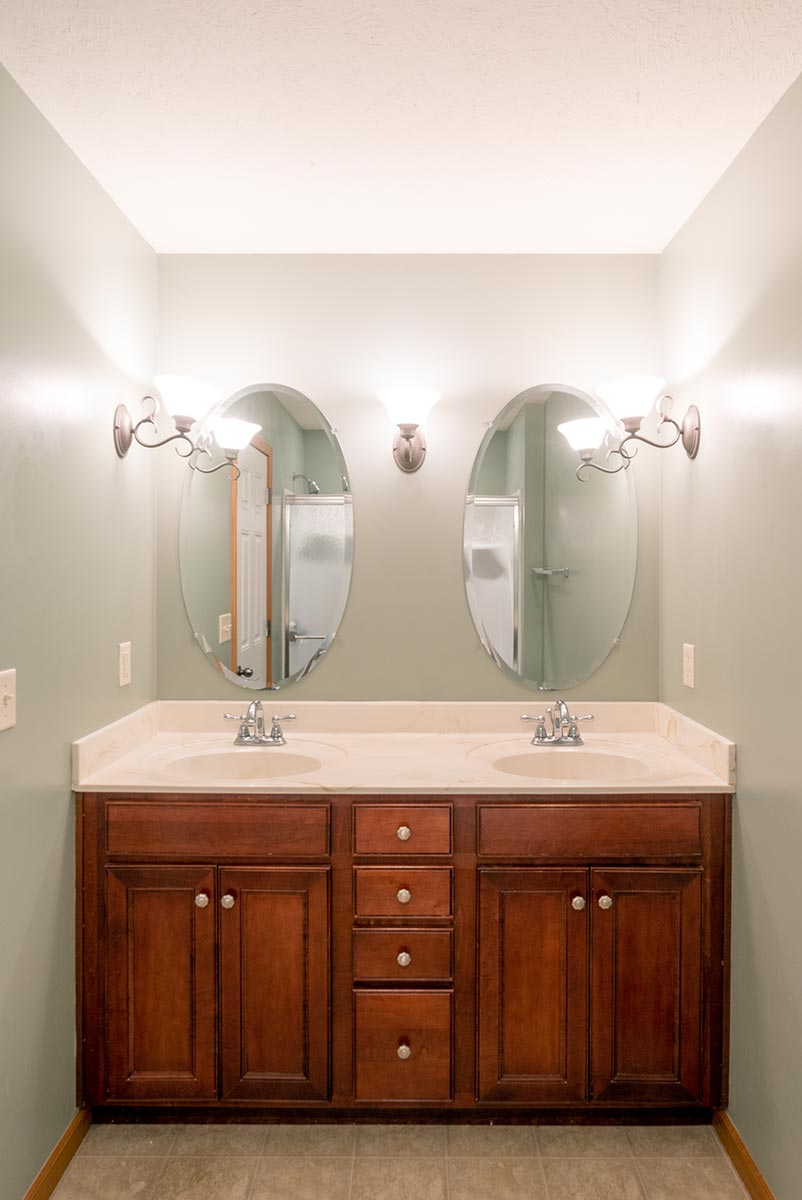 Real Estate Photography: Bathroom
